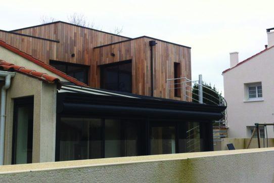 une ossature bois pour agrandir sa maison 44. Black Bedroom Furniture Sets. Home Design Ideas